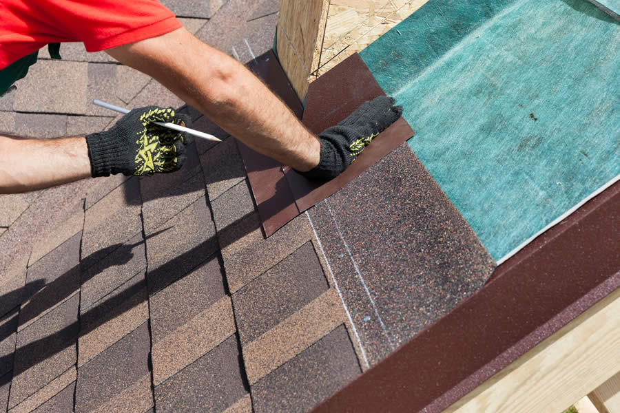 Installing Asphalt Shingles in Ann Arbor Michigan