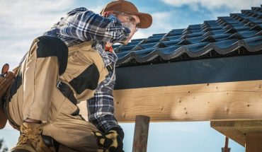 What To Seek For When Hiring A Professional Roof Contractor in Ypsilanti Michigan