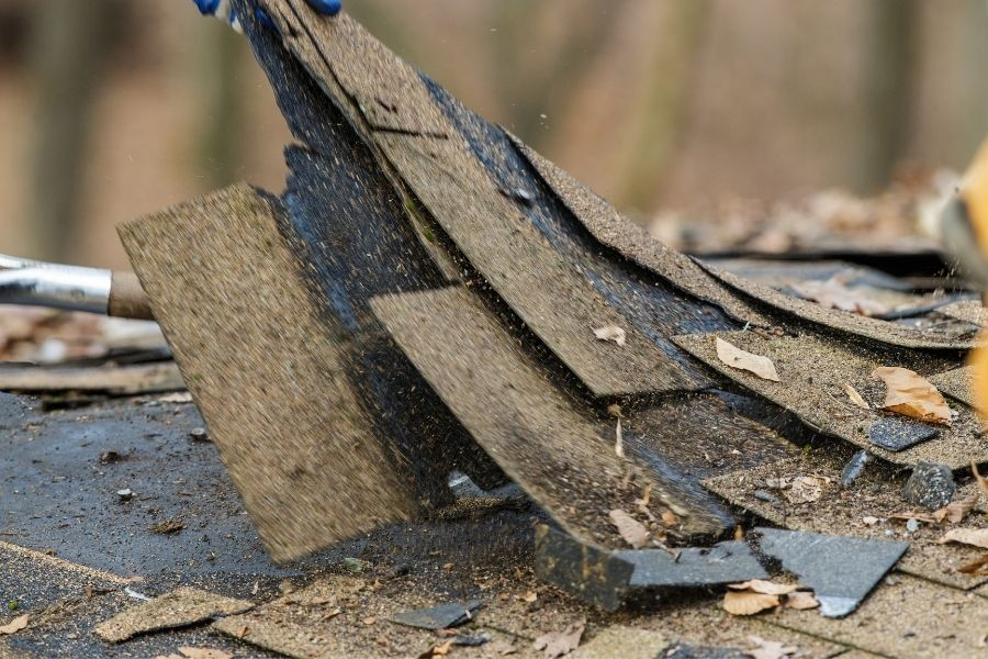 Knowing When a Home Roof in Ypsilanti Michigan Needs Repairs
